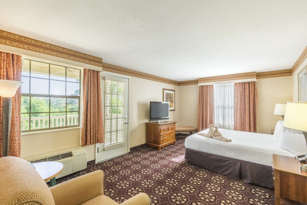 hotel-suite-king-room