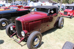 1932_Ford_Roadster_Hot_Rod_(20936502126)