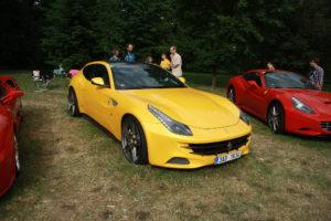 Ferrari FF: Extraordinary Sports Cars