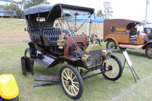 Ford Model T Automobiles 1909 Ford Model T - T1 Town Car
