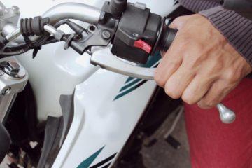 como fazer controle de embreagem moto
