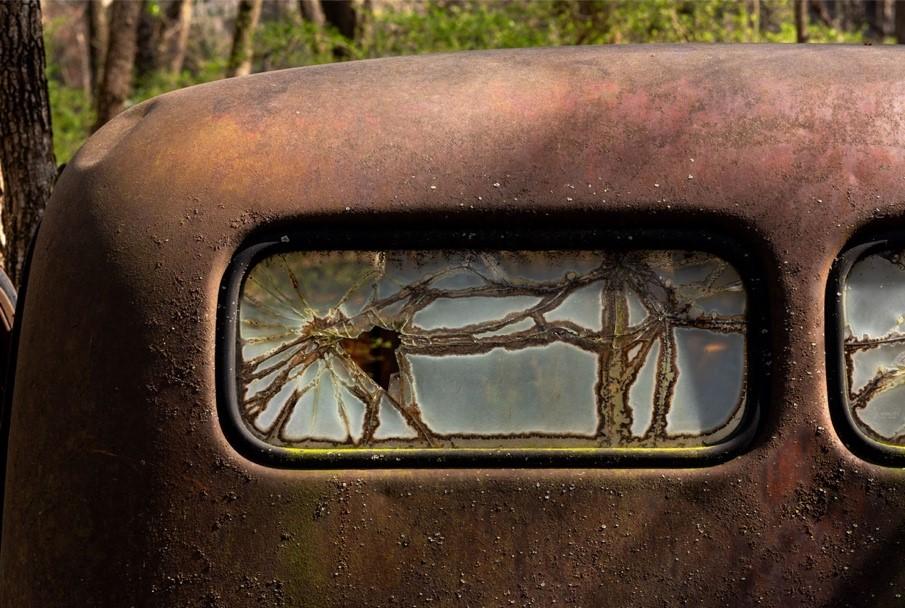 Cracks in Time, photograph by Rebecca Carpenter (MG: November 2019)