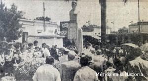 Busto de Don Benito Ruz y Ruz durante la celebración del aniversario de su natalicio en 1953.