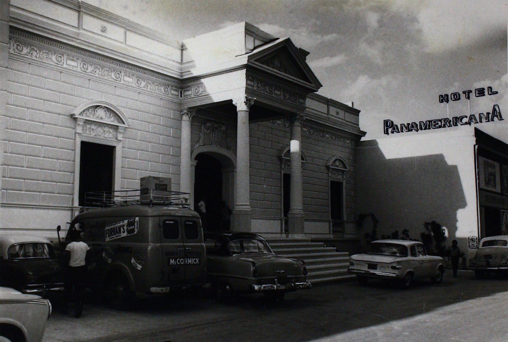 1962 - Fachada del Hotel Panamericano