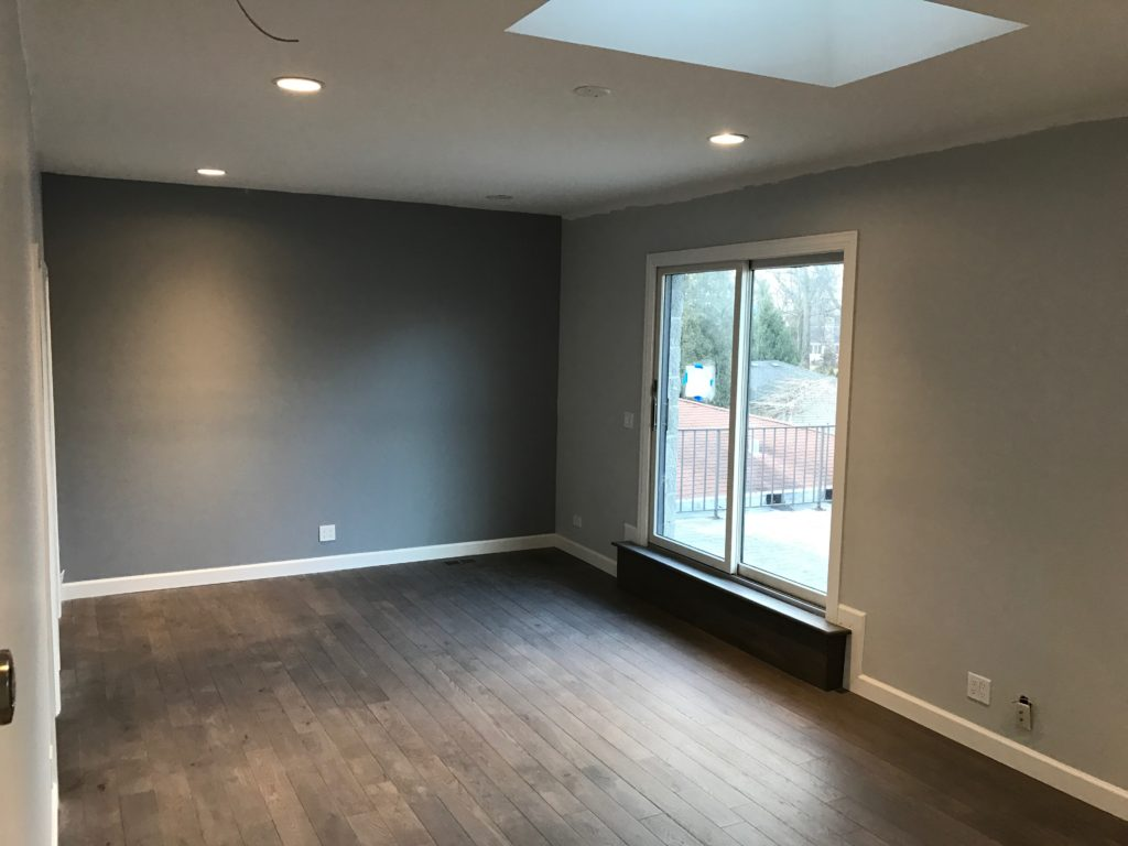 Hire Painters in Arlington Heights