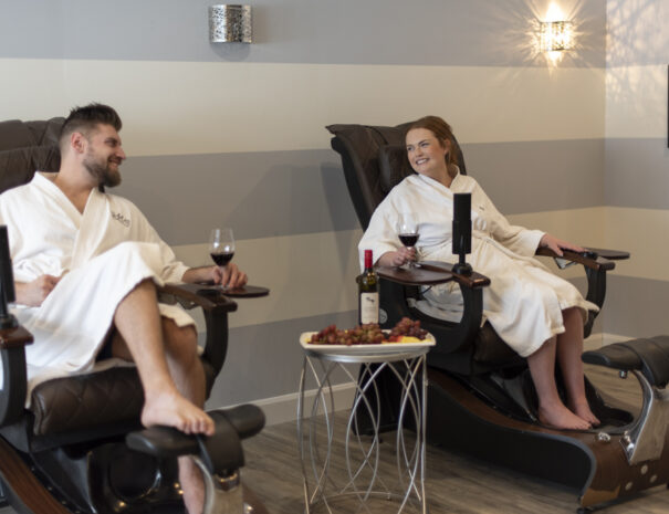 spa couples hotel getaway collingwood blue mountain