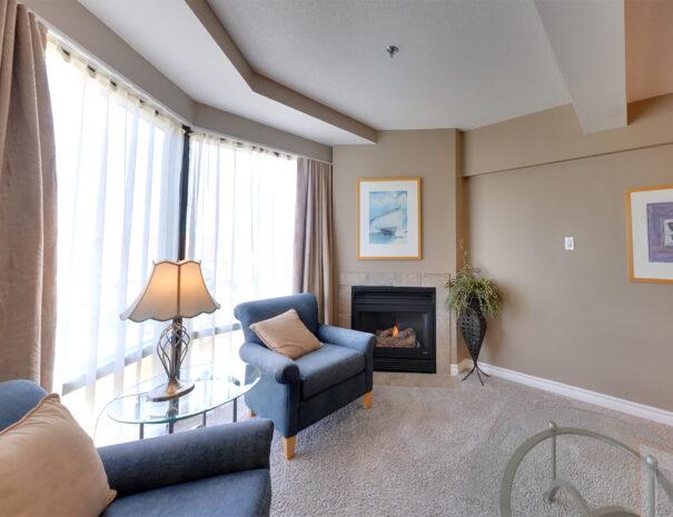 1bdrmtower_livingroom