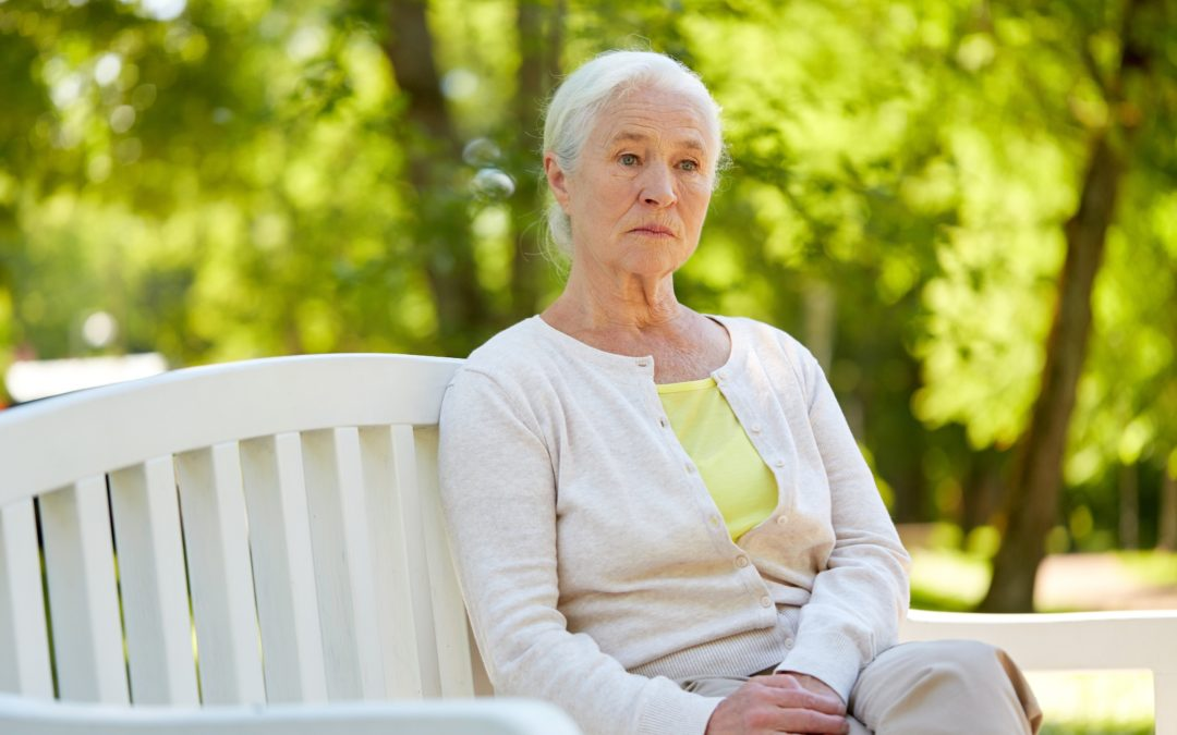 5 Ways You Can Help Your Senior Mom Fight Loneliness