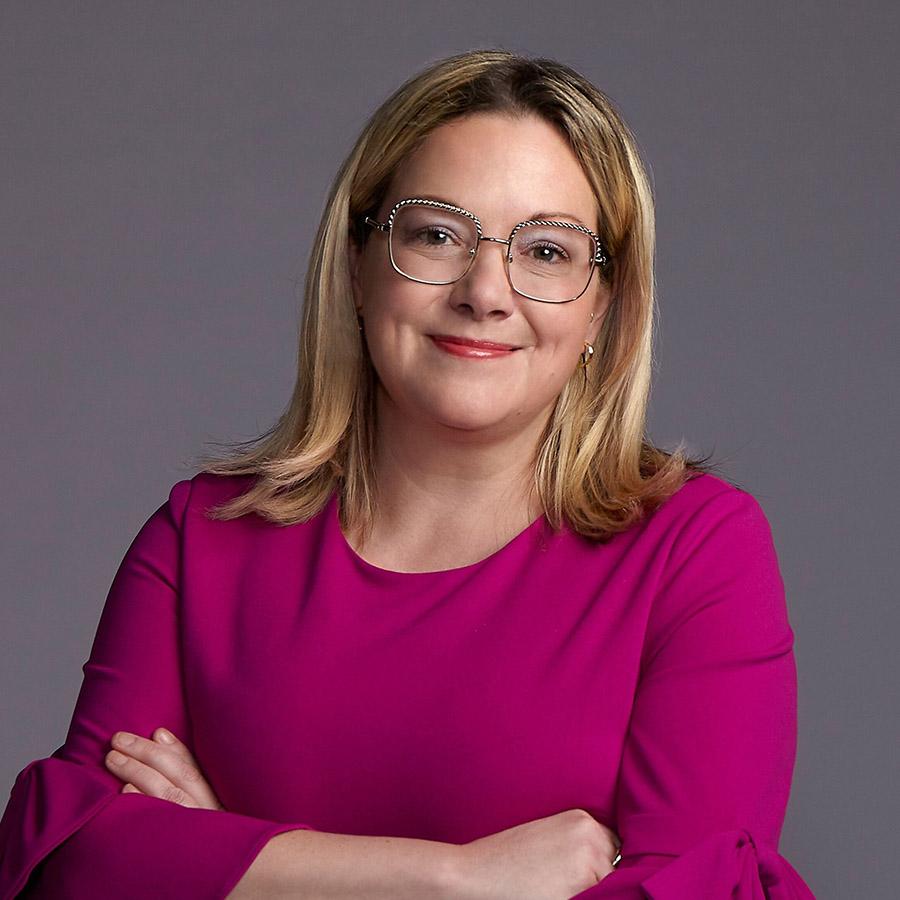 Jenni Byrne Headshot