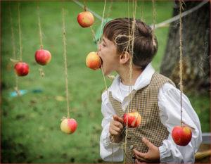 Kathy Sheldon - Apple Bobber - A IOM