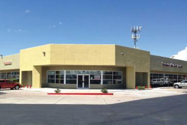 Retail shopping center storefront