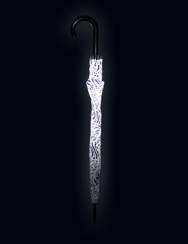 Zeeme-UmbrellaCLSD-night-WEB