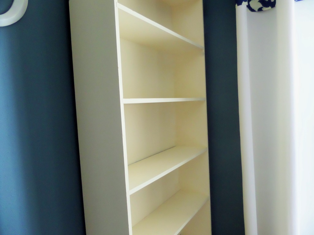 Thrifty find bookcase makeover
