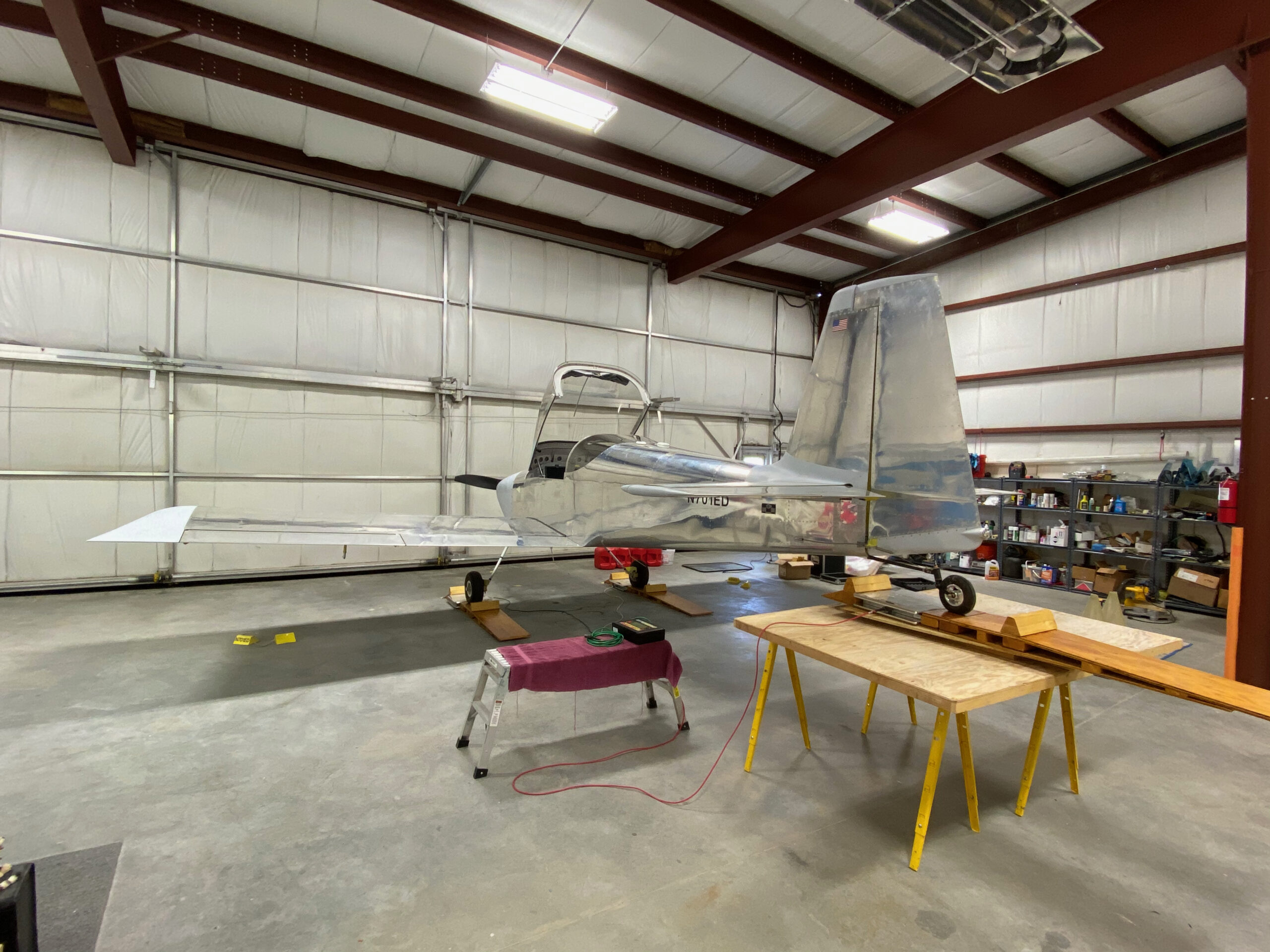 A tailwheel on a scale