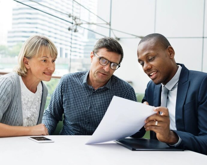 Agent showing policy to couple