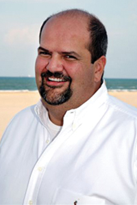Dr. Eric Valle