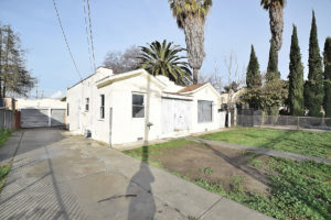 715 N. Spring Ave Compton