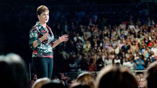 joyce_meyer_speaking600