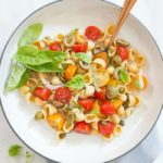 Easy Pasta Salad with Tomatoes, Olives & Basil