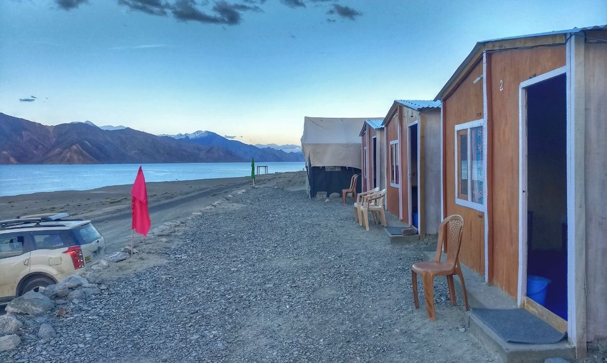 golden cottage hut pangong