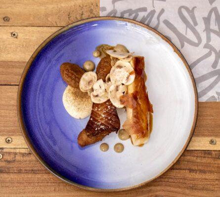 Filete de Pollo Criollo y Banano