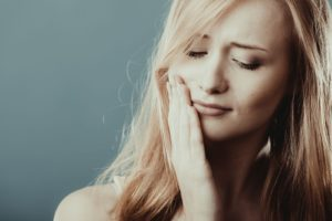 A Woman Experiences a Jaw Pain and Wonders What Could Be Causing It