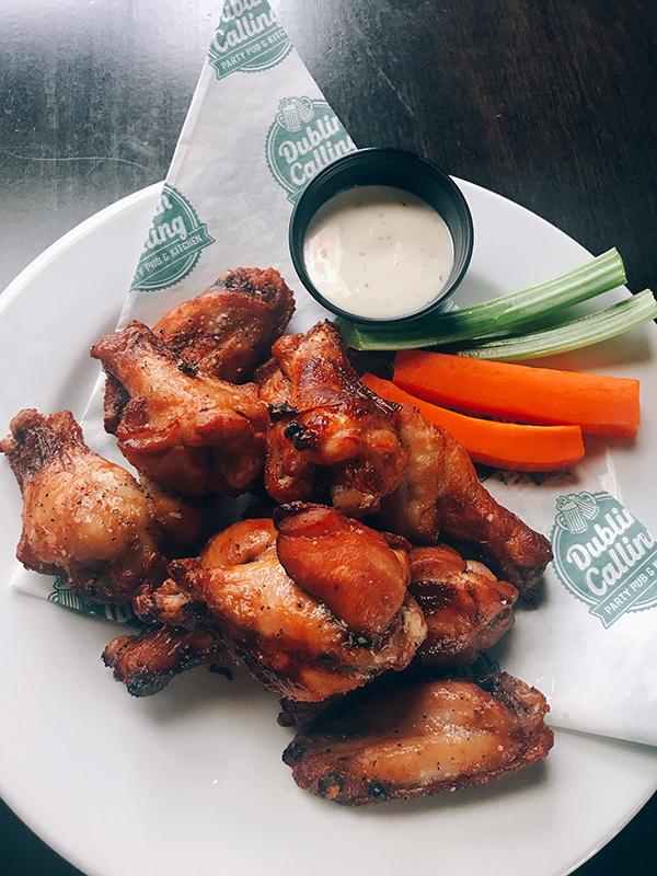 Calgary pub Dublin Calling chicken wings