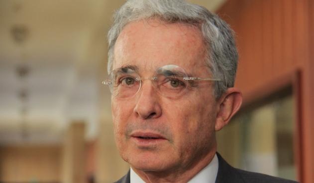 La estrategia de Uribe es vieja - Por: Julián F. Martínez