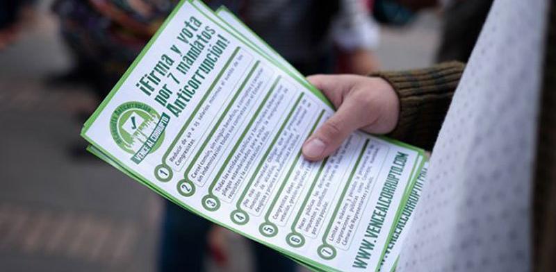 La consulta anticorrupción, puede ser discutible, pero debe votarse