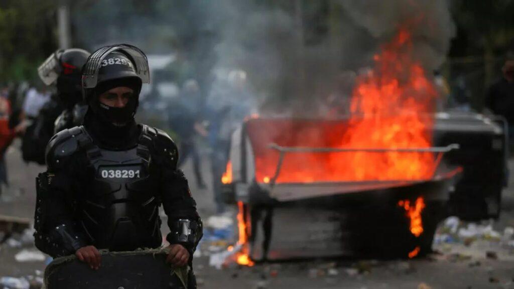 Señor presidente: septiembre negro en Colombia – Por: Gustavo Castro Caycedo
