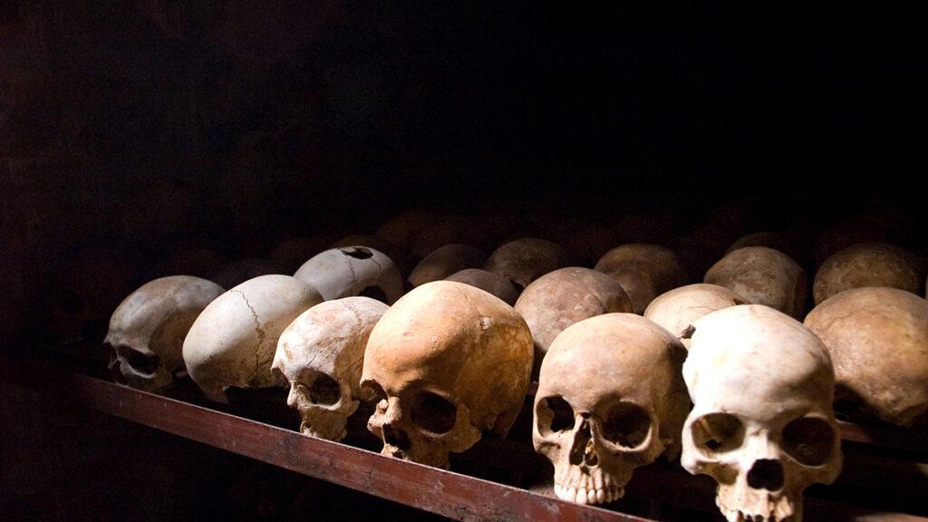 De regreso - Los juicios pasados al servicio del terror se parecen a las masacres de hoy.