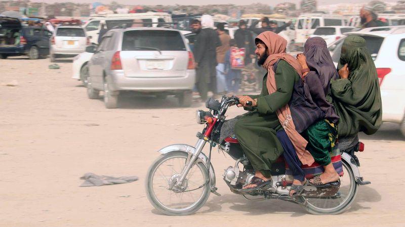 Afganistán, crónica de una ficción – Por: Mònica Bernabé