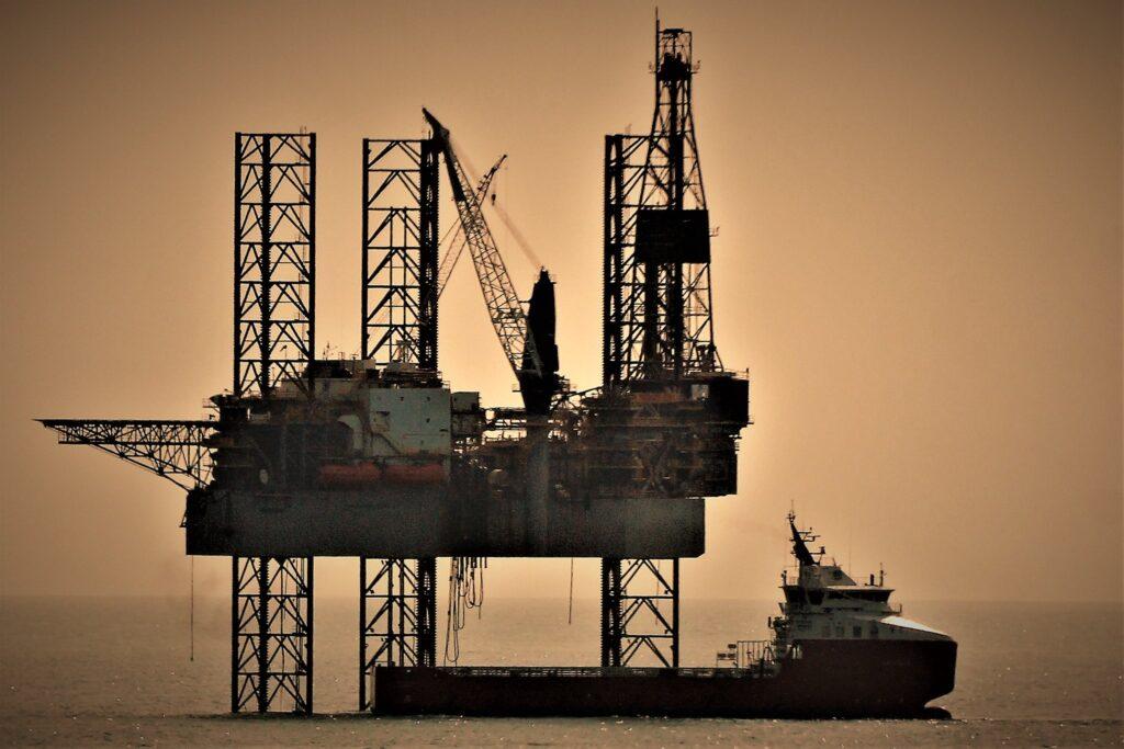 oil platforms are major habitats for fish