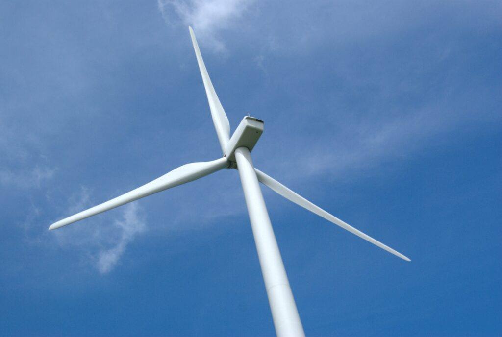 Making wind turbine blades recyclable