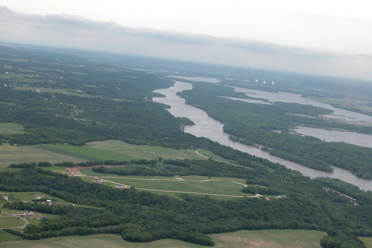 https://secureservercdn.net/198.71.233.129/3zp.bf9.myftpupload.com/wp-content/uploads/2019/11/Mississippi-River-looking-south-from-just-south-of-St.-Paul-1200x800.jpg