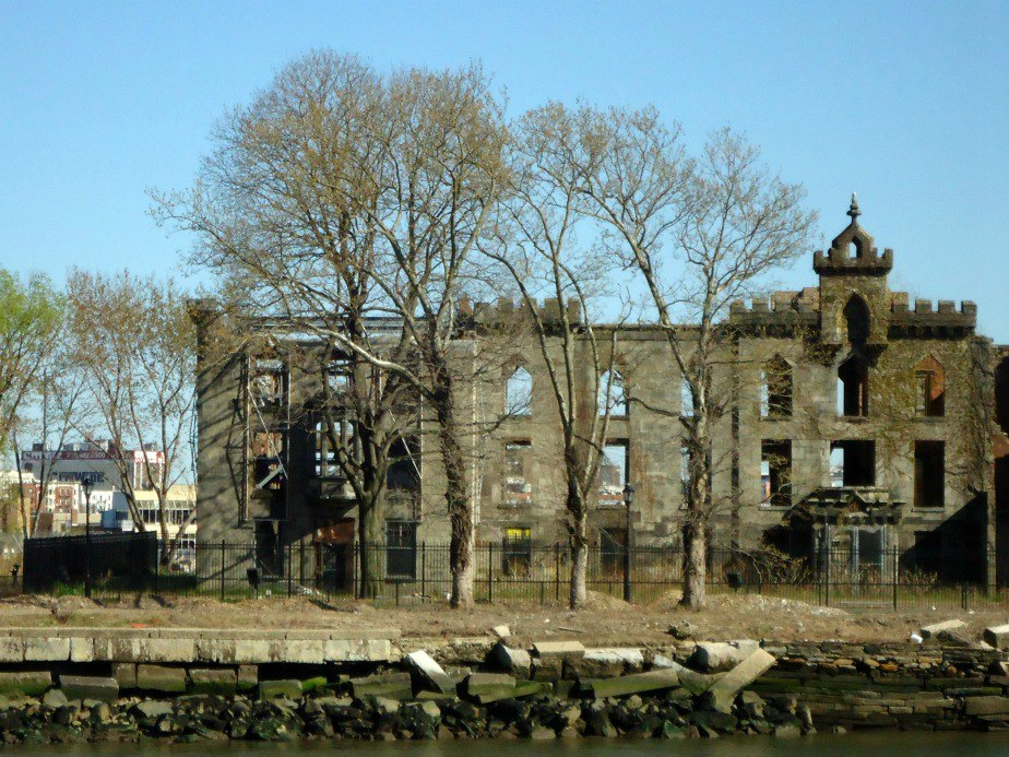 Roosevelt Island Smallpox Hospital