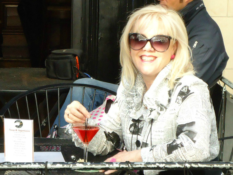 Image of Lyn having a Cocktail in New York