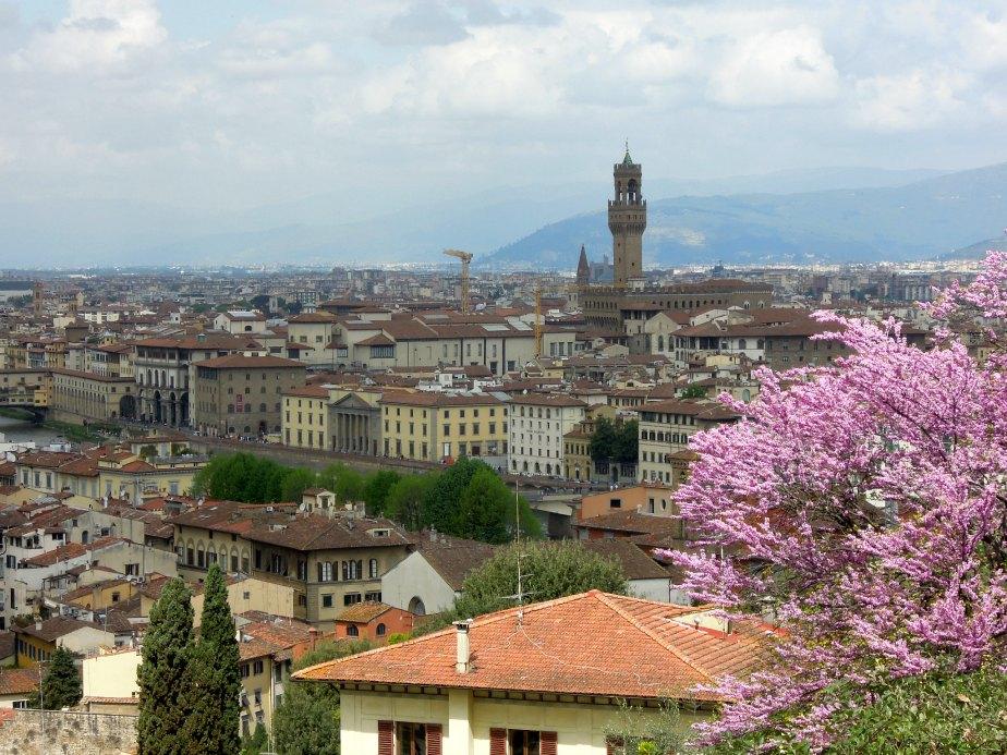 Palazzo Vecchio Tower and the Uffizi down on the River Arno