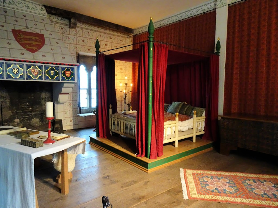 Edward l's Bedchamber in St Thomas's Tower