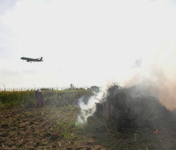 Straw burning threatens flight safety