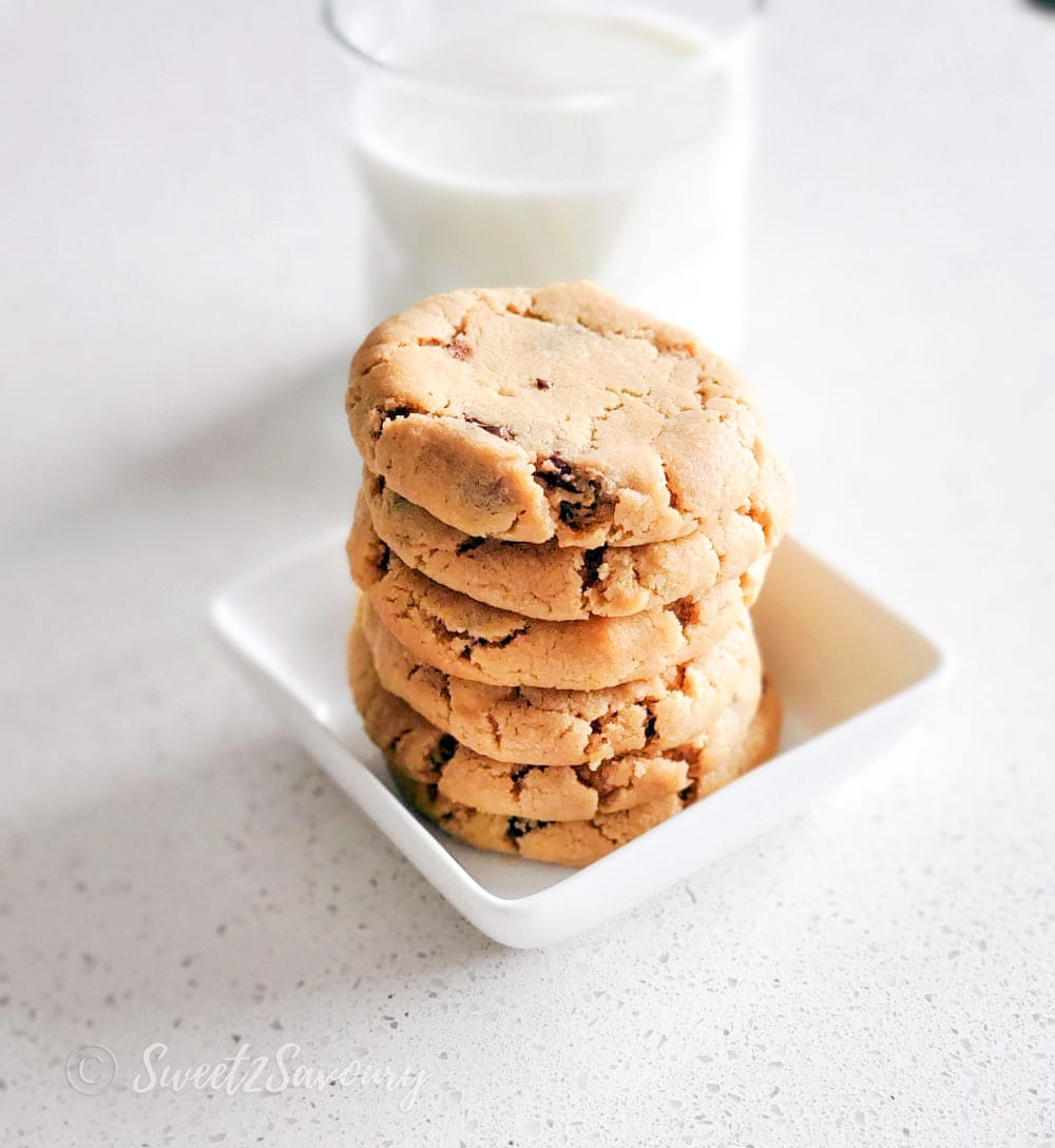 egg free soft peanut butter chocolate chip cookies