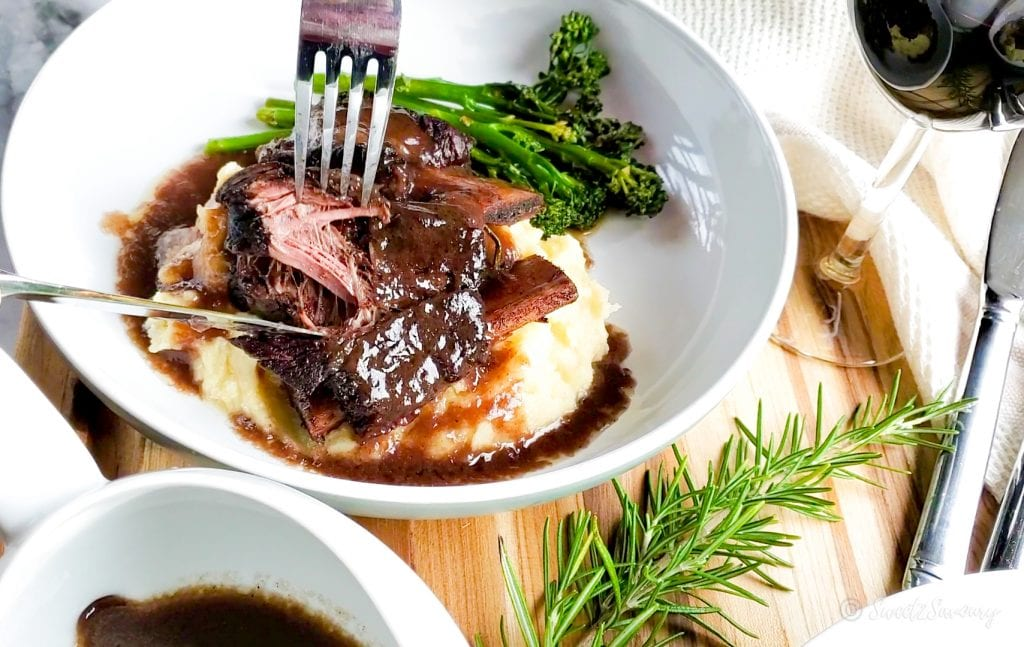 red wine braised beef short ribs with rosemary