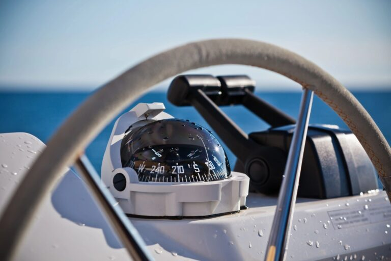 boat dealers and rental