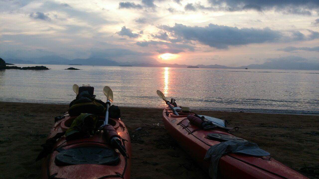 sunset kayaks