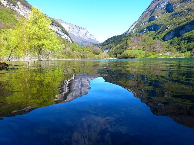 tenno-lake-383309_640 (2)