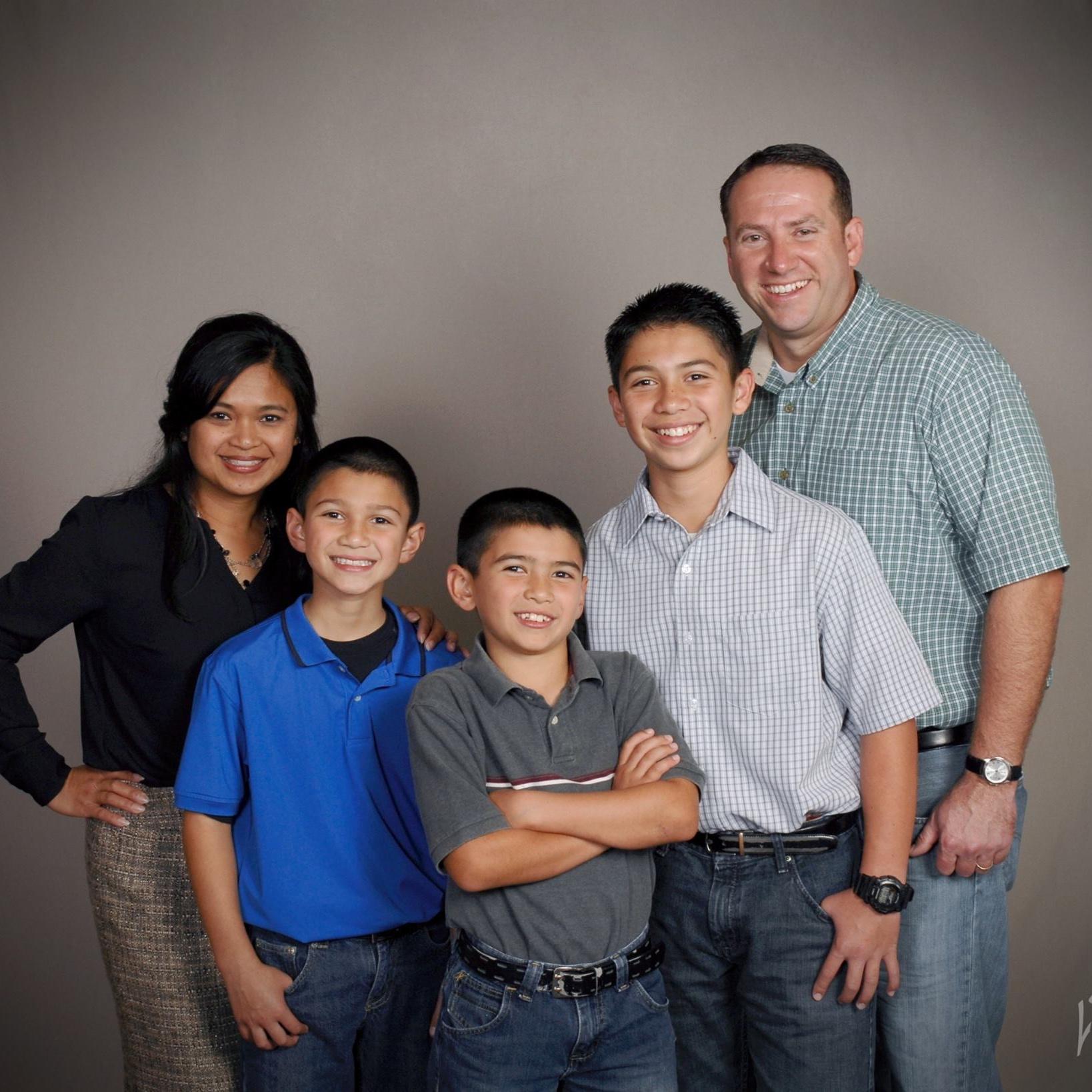 staff.burkholder.lj.family
