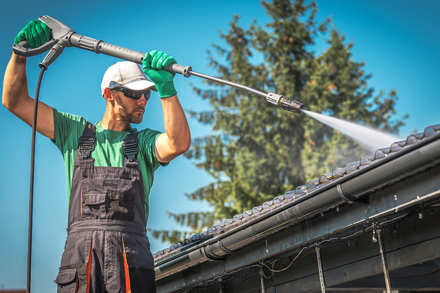 3 Reasons to Clean Your Roof