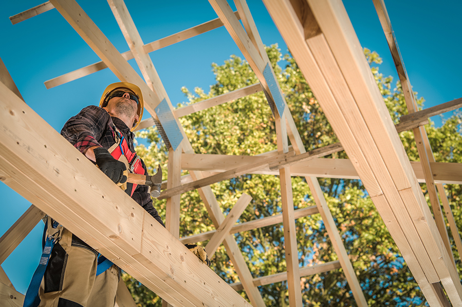 Pitched Roof vs. Flat Roof – Which Is Best For Your New Arizona Home?