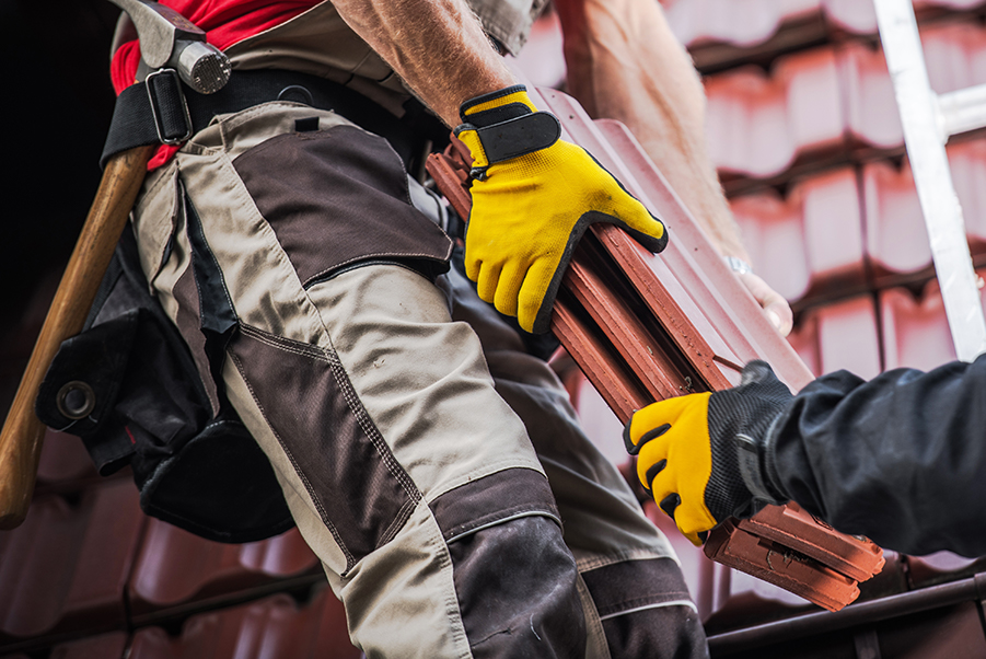 4 Signs Your Home Is Ready For A New Roof