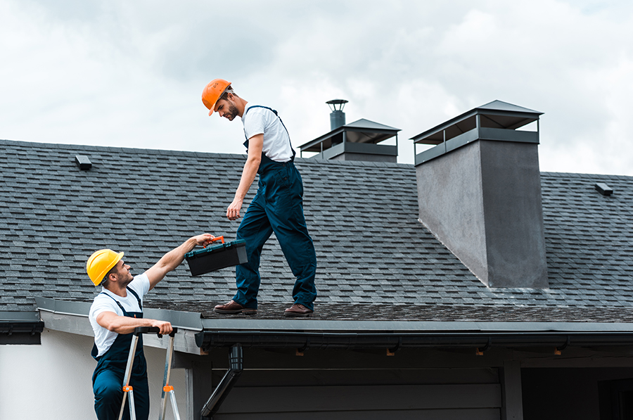 4 Safe Roofing Tips Every Homeowner Should Know
